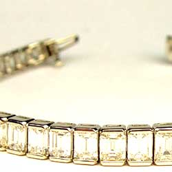 Emerald Cut Diamonds set in Platinum Bracelet