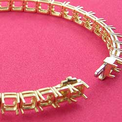 18K Yellow Gold Bracelet for Asscher Cut Diamonds